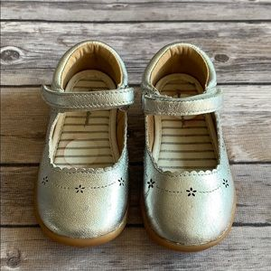 Hanna Andersson Silver Toddler Girl Shoes size 6